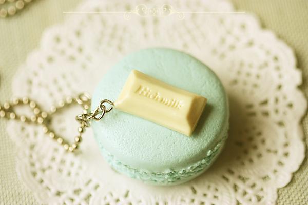 Macaron Necklace Baby Blue Vanilla Bean Macaron