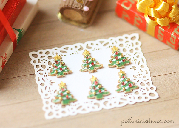 Dollhouse Christmas Food - Crunchy Base Christmas Tree Cookies-dollhouse christmas food