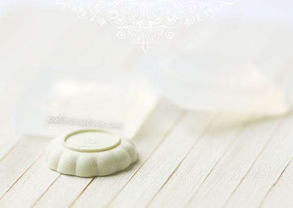 Miniature Clay Push Mold - Scallop Plate