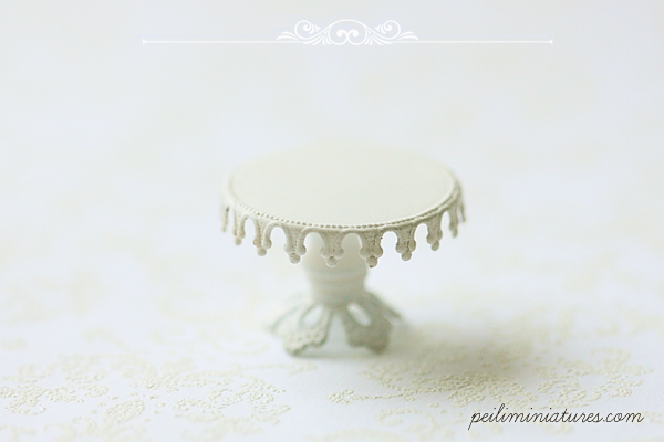 Dollhouse Miniature Lace Cake Stand - Type A