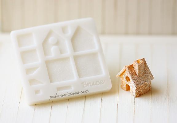 Dollhouse Miniature Christmas Gingerbread House