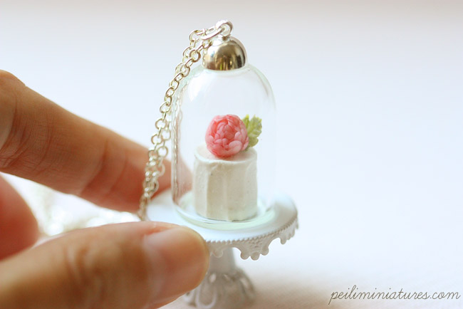 Vanilla Rose Cake Glass Dome Necklace - Cake Necklace