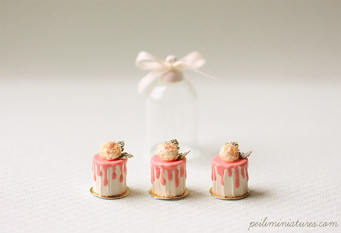 Dollhouse Miniature Food - Romantic Rose Buttercream Mini Cakes