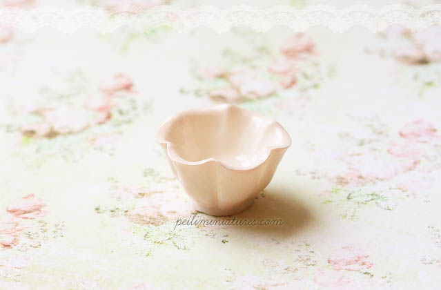Dollhouse Miniature Pink Ruffle Lace Mixing Bowl - Kitchen Accessories in 1/12 Scale
