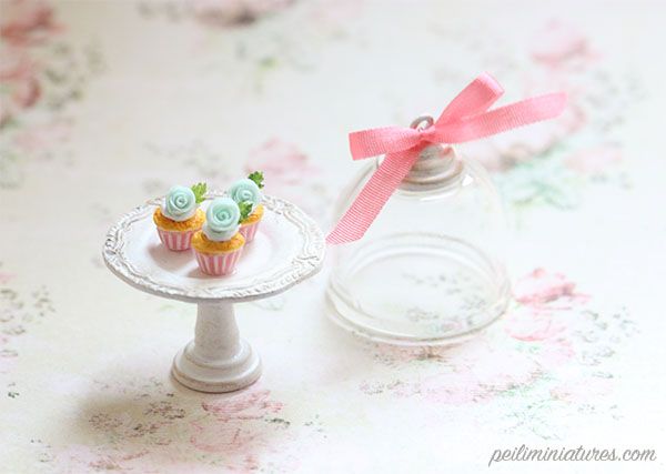 Dollhouse Miniature Teal Rose Cupcakes