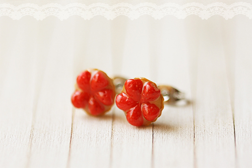 Food Jewelry - Strawberry Tarts Earring Studs-strawberry tart earrings, fruit tart earrings, food earrings, food jewelry