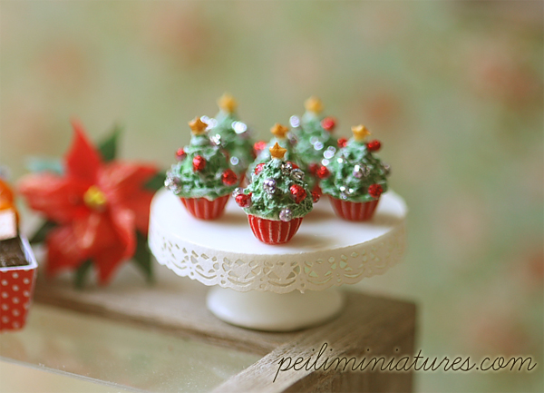 Dollhouse Miniature Food Christmas Tree Cupcakes