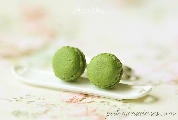 Macaron Earrings in Green Tea Matcha