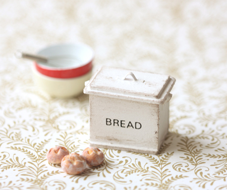 Dollhouse Miniature 1/12 Scale Shabby Chic Antique White Bread Box-dolls and miniatures scale, dollhouse miniatures, kitchenware, dollhouse breadbin, miniature breadbin, antique white bread bin, pei li miniatures, shabby chic dollshouse, miniature shabby chic, shabby chic miniatures