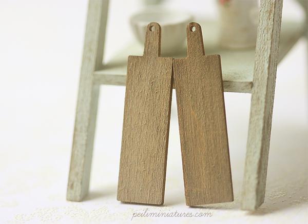 Dollhouse Miniature Antique Bread Small Cutting Boards-dollhouse miniature bread cutting boards