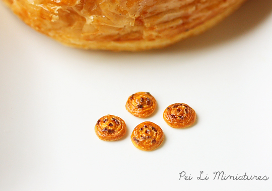 Dollhouse Miniature Food - Raisin Danish Pastry 1/12 Scale