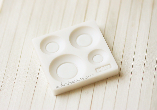 Miniature Clay Mold - Push Mold for Making Dollhouse Miniature 1/12 Scale Round Plates
