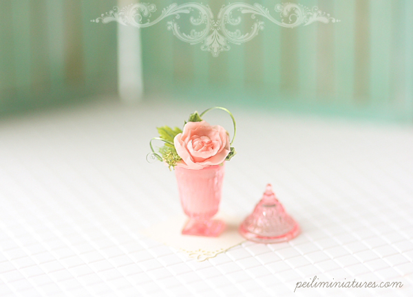 Dollhouse Miniature Flower - Pink Rose Flower Arrangement-dollhouse miniature, dollhouse miniature flower, pink rose, 1/12 dollhouse miniature scale