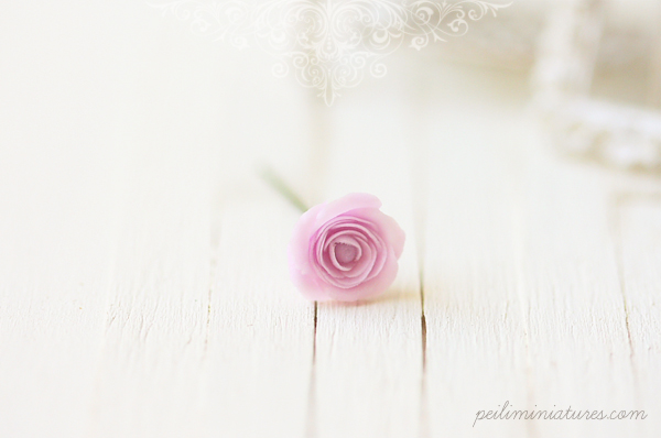 Dollhouse Miniature Flowers - Elegant Soft Violet Rose Single Stalk-dollhouse miniature flowers, carnations, roses, 1/12 dollhouse miniature scale
