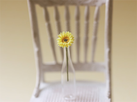 Dollhouse Miniature Yellow Gerbera Daisy 1/12 Scale-dollhouse miniatures, miniature daisy, miniature, dollhouse miniature flowers, gerbera daisies