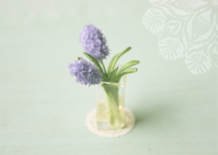 Dollhouse miniature flowers purple hyacinth in 1/12 scale