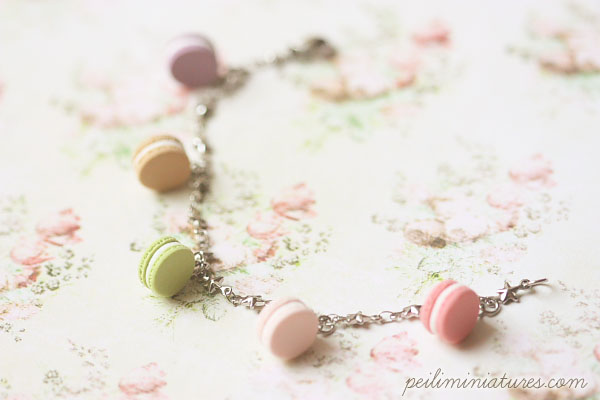 Feminine Bracelet - Pink Macarons