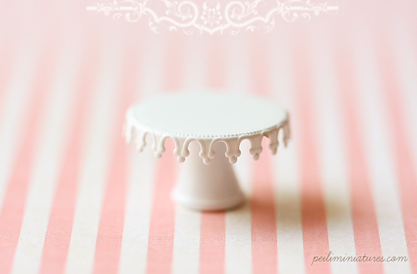 Dollhouse Miniature Lace Cake Stand - Type B-dollhouse miniature lace cake stand