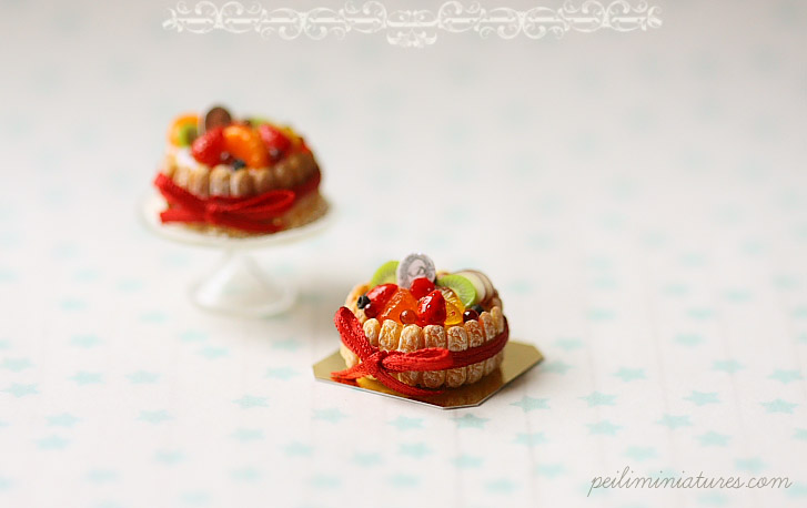 112 Dollhouse Miniatures - Mixed Fruit Charlotte Cake