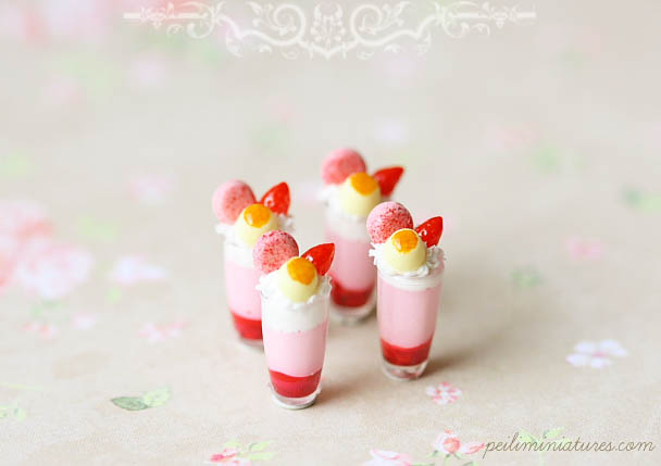 Dollhouse Miniature Desserts - Strawberry Mousse Cup Desserts-1:12 dollhouse miniatures,