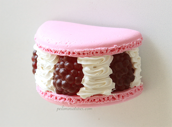 Raspberry Macaron Dessert Magnet