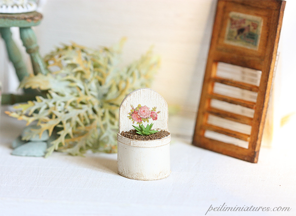 Dollhouse Plants 1/12 Shabby and Chic Plant