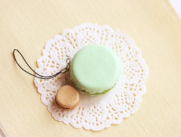 Food Jewelry - Macaron Keychain - Pistachio and Hazelnut Chocolate-food jewelry, macaron keychain, macaron bag charm, dessert jewelry