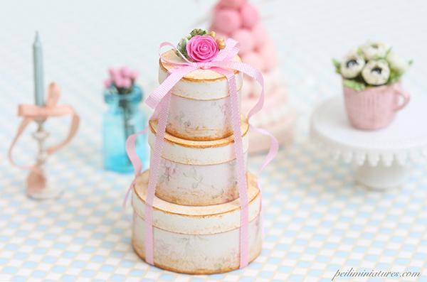 Dollhouse Miniature Round Flora Victorian Gift Boxes