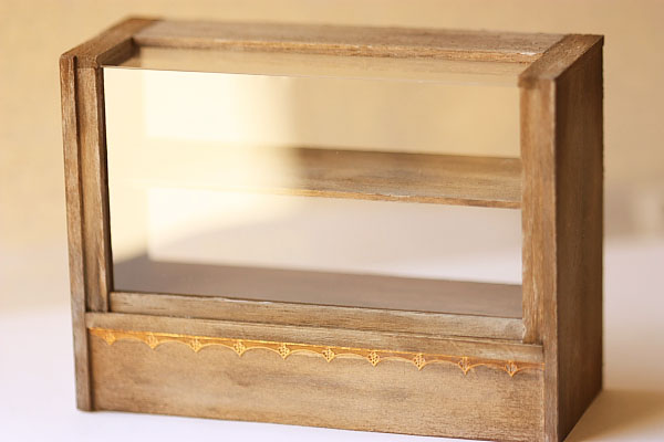 Dollhouse Miniature Antique Brown Cake Display Shelf-dollhouse miniature, cake display shelf