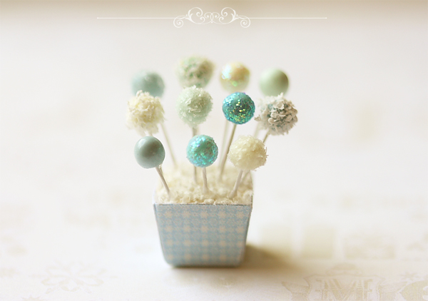 Dollhouse Miniature Food - Christmas Cake Pops in 1/12 Scale-dollhouse miniature food, cake pops, dollhouse miniature christmas cake pops