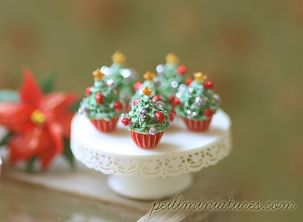 Dollhouse Miniature Food - Christmas Tree Cupcakes