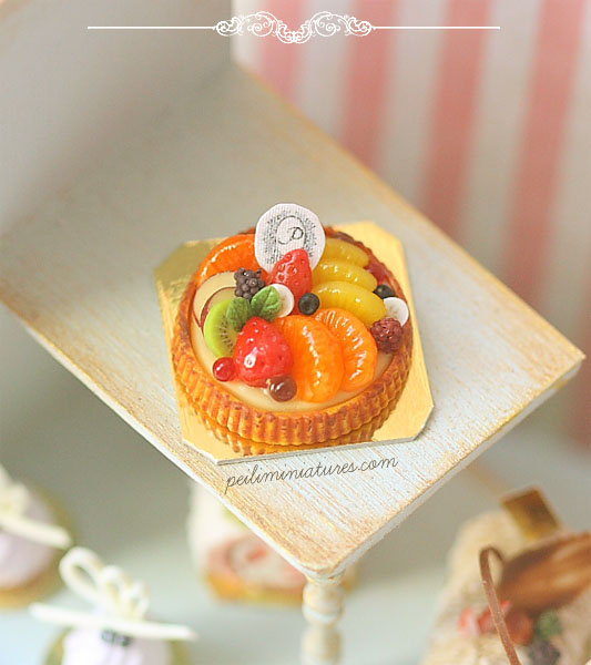 Dollhouse Miniature Food - Mixed Fruit Tart