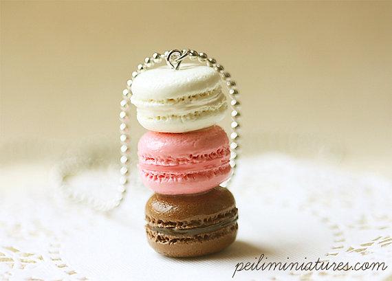 Macaron Jewelry - Trio Macarons Necklace - Neapolitan Macarons
